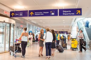 montreal-airport-bus-location-arrivals-area